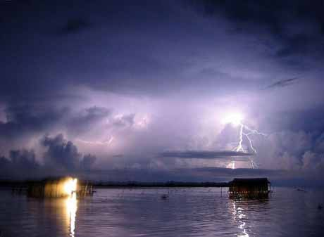 Жуткое явление природы -Маяк Маракайбо/3249162_1328384760_x1_1_ (460x337, 34Kb)