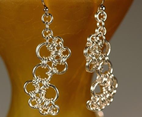 Ожерелье из металлических колец 76