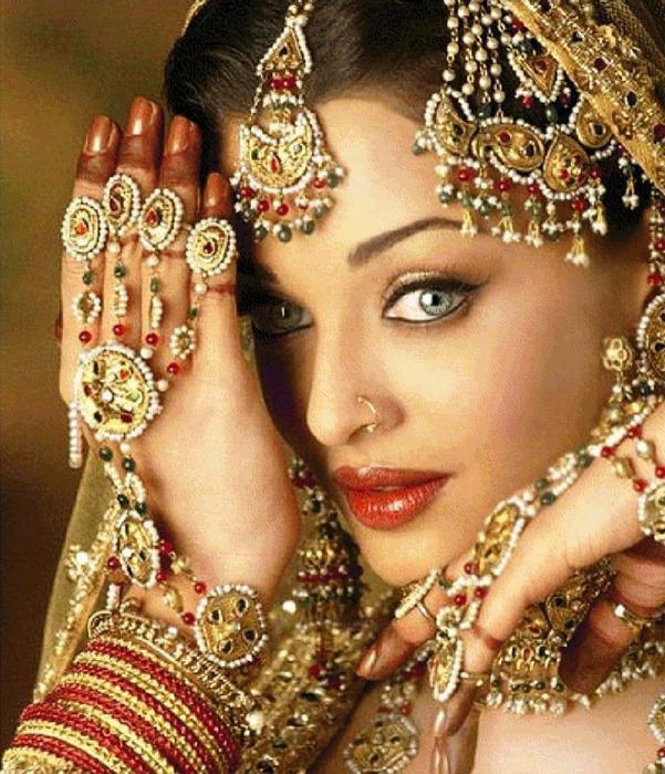 Индийская женщина (601x700
