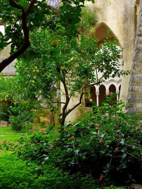 Бенедиктинское аббатство Фосанова :Fossanova 13735