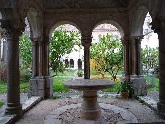 Бенедиктинское аббатство Фосанова :Fossanova 22551