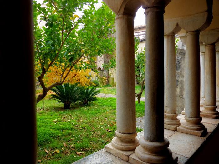 Бенедиктинское аббатство Фосанова :Fossanova 13875