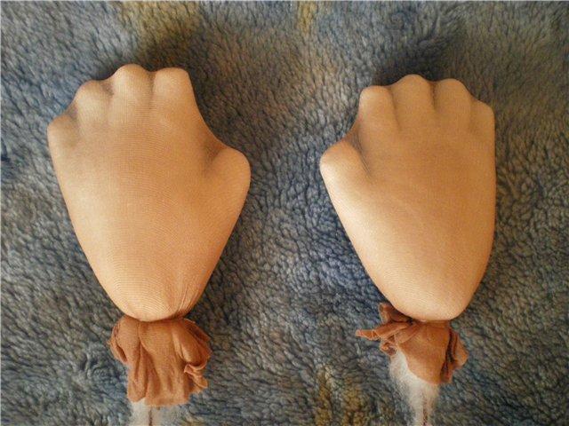 Как сделать руку кукле из колготок