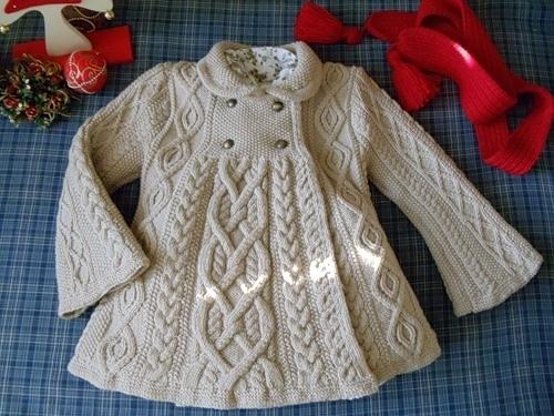 Вязаное пальто для девочки.