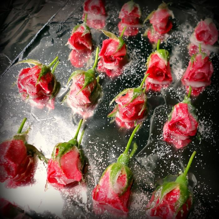 Засахаренные цветы для украшения блюд