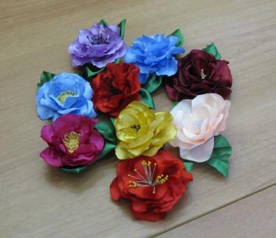 4683827_20120219_205539 (396x341, 36Kb)Как сдеать самому цветы из атласных лент-мастер класс по фото