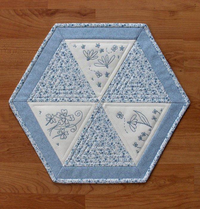 Sekskantbrikke med stitchery (671x700, 129Kb)