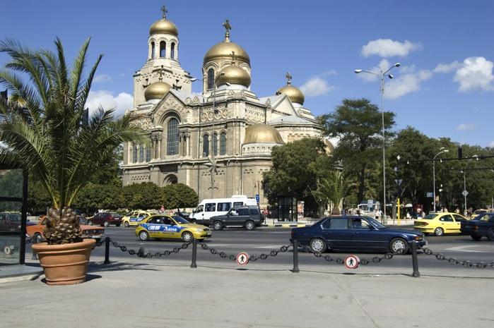 800px-Достопримечательности_Болгарии (700x465, 143Kb)