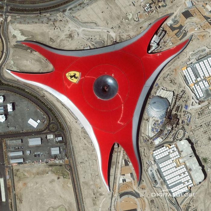Абу-Даби: площадь самого большого крытог…