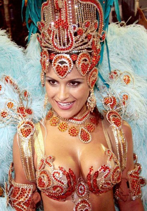 4617818_rio_de_janeiro_carnival_girls_20 (489x700, 96Kb)