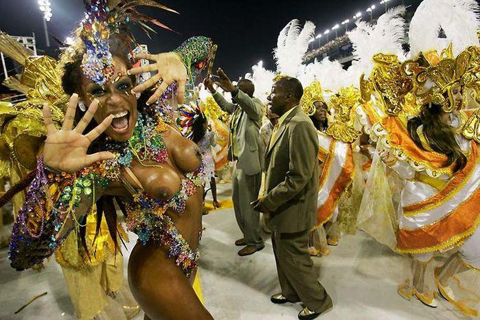 4617818_carnaval_brasil_02 (700x466, 96Kb)