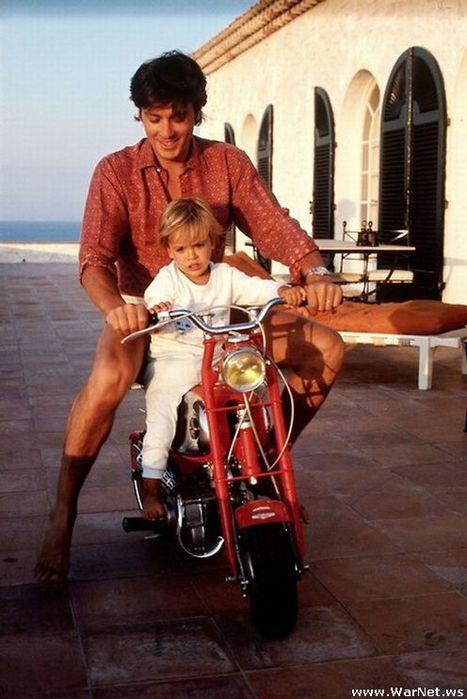 Ален Делон с сыном Энтони (467x700, 57Kb)