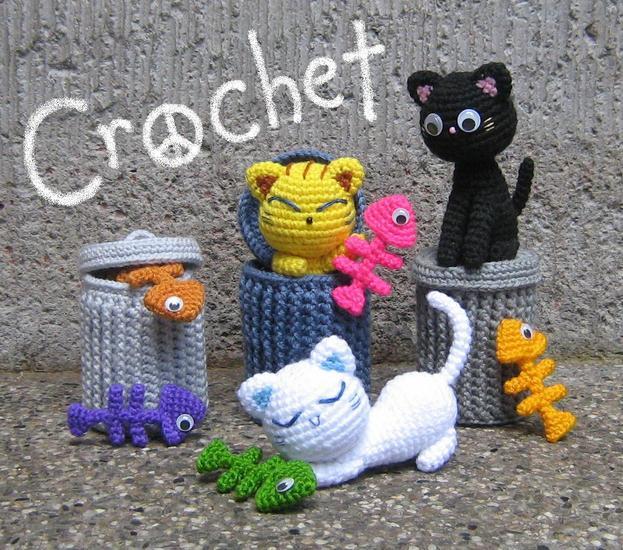 Alley Cats amigurumi crochet pattern by StripeysPatterns.