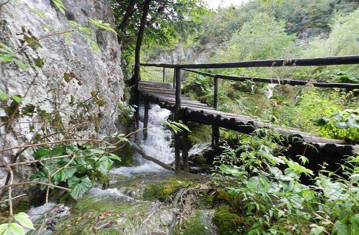Мост_через_речку,_Хорватия (700x460, 118Kb)