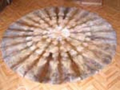ковер из лисы круглый (400x301, 33Kb)