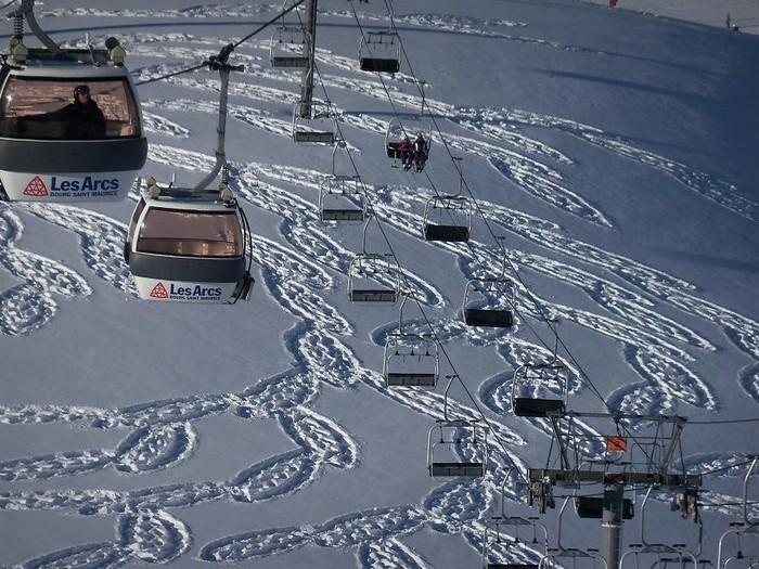 Современный французский художник Симон Бек и его узоры на снегу 9 (700x525, 137Kb)