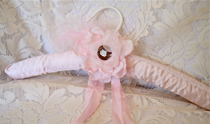 pink handmade flower far (700x414, 86Kb)
