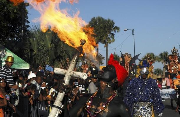 Карнавал в Санто-Доминго, 4 марта 2012 года