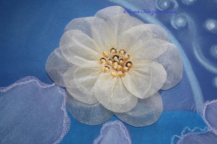 Цветы заколки из ткани