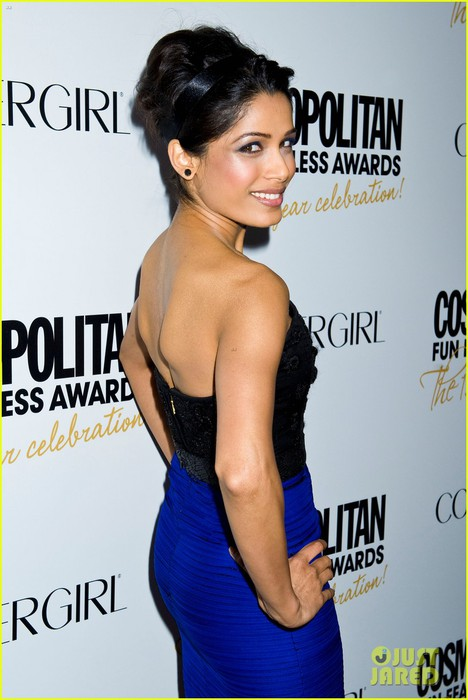 freida-pinto-rose-byrne-fun-fearless-awards-01 (468x700, 74Kb)