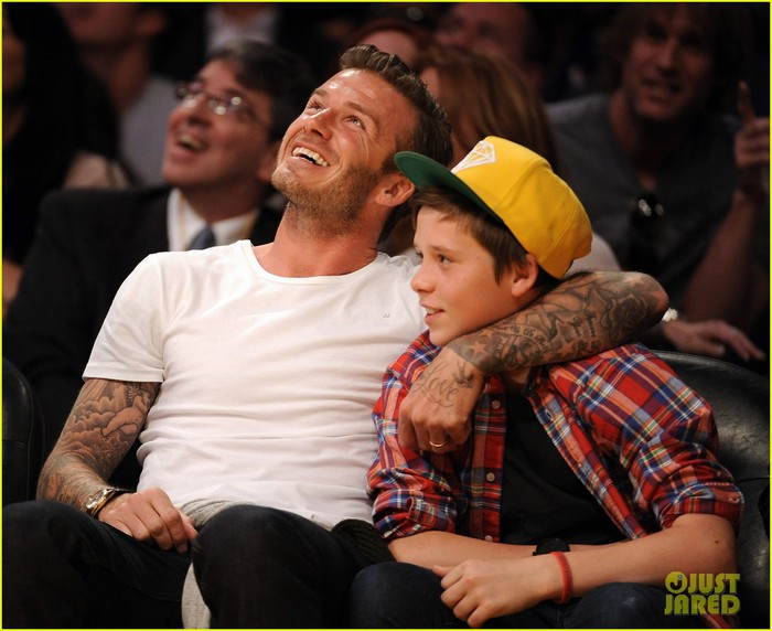 david-beckham-lakers-game-with-brooklyn-05 (700x572, 91Kb)