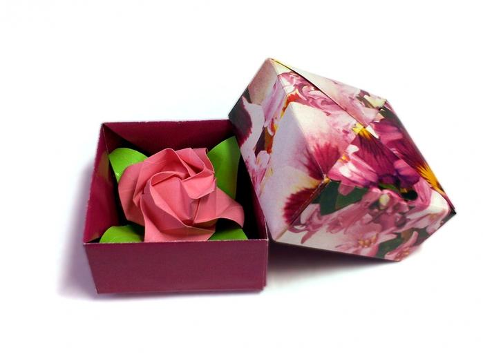 Томоко Фусе и роза Фукуяма