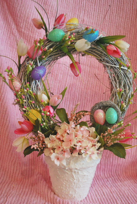 Easter Wreath Topiary- Witth tulips and eggs (471x700, 610Kb)