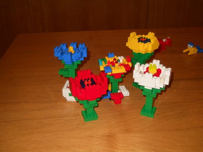 Цветок из лего