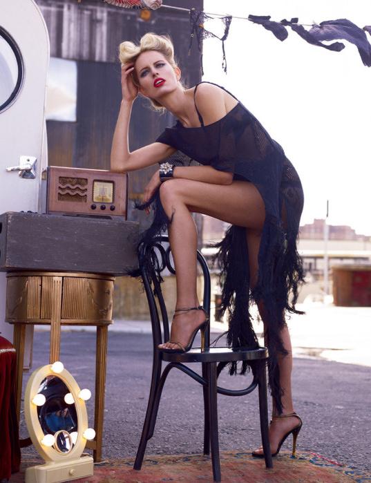 Karolina Kurkova Vogue 4 (537x700, 161Kb)