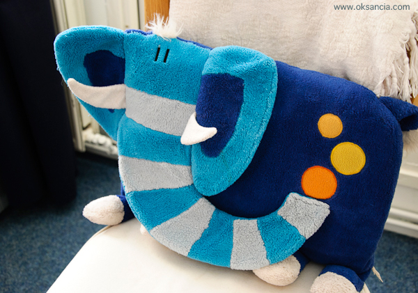 Elephant_pillow_home_studio (600x421, 242Kb)