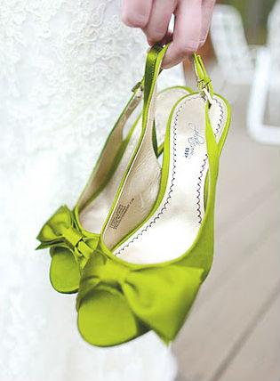 1338363472_GreenSatinWeddingShoes (315x428, 27Kb)