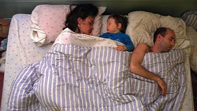 позы ребенка во сне 5 (670x380, 85Kb)