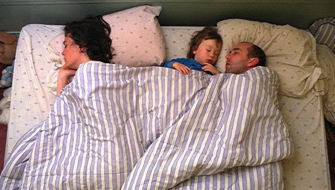 позы ребенка во сне 7 (670x380, 86Kb)