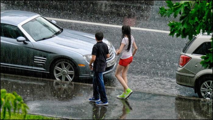 Под дождем/3673959_10 (700x393, 147Kb)