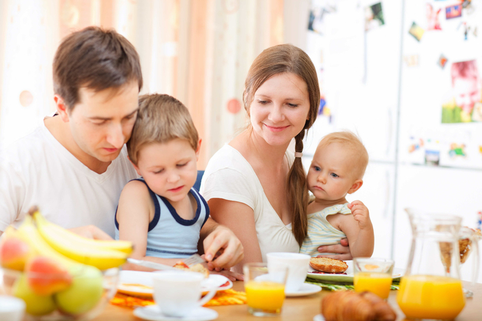 Family-Meal-Breakfast (700x466, 300Kb)