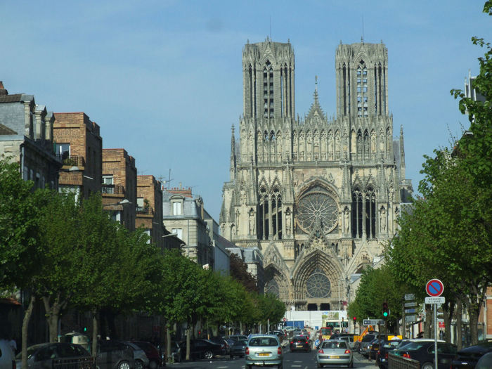 2715353_Reims_Cathedrale_Notre_Dame_001_1_ (700x525, 89Kb)