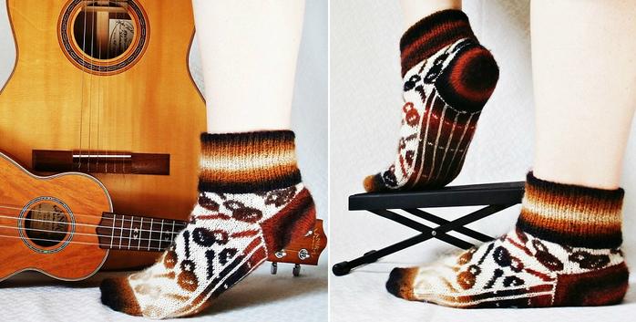 strings_colorwork_socks (700x353, 308Kb)