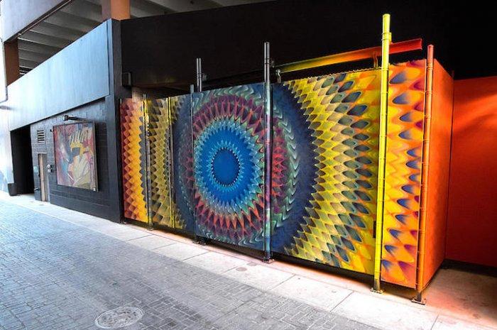 уличные граффити Дугласа Хокзема 1 (700x465, 309Kb)