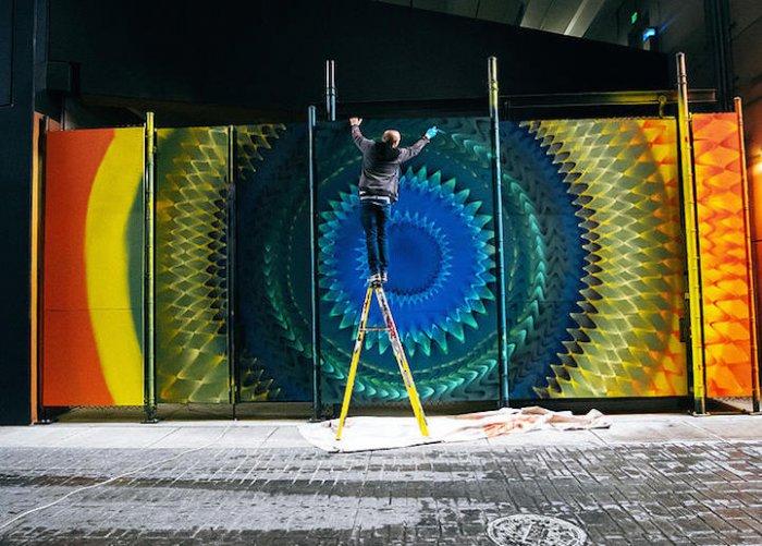уличные граффити Дугласа Хокзема 7 (700x501, 344Kb)
