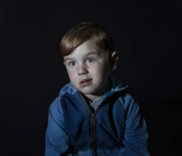 дети смотрят телевизор 2 (700x599, 183Kb)