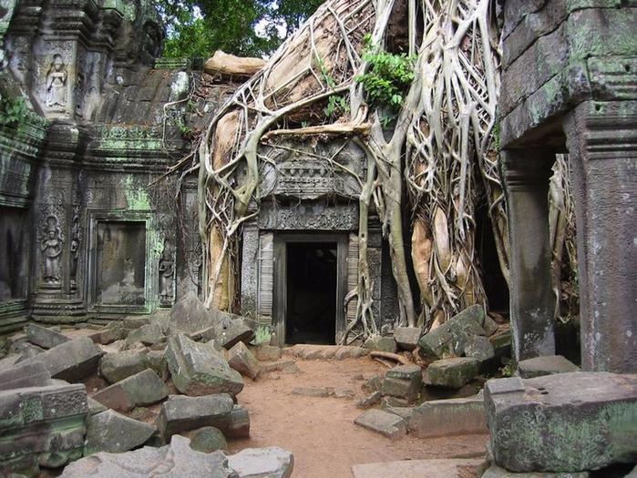 Angkor-Wat-in-Cambodia (700x525, 482Kb)
