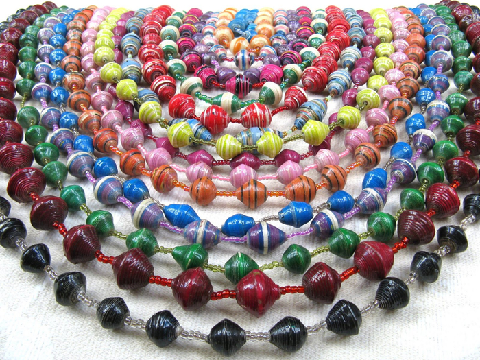 Mzuribeads Closeup Juna Necklaces (700x525, 583Kb)