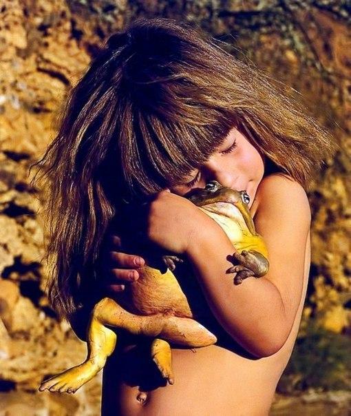Девочка с африканскими животными3 (510x604, 322Kb)