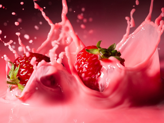 Food_Berries_and_fruits_and_nuts_Strawberry_milkshake_025836_29 (640x480, 115Kb)