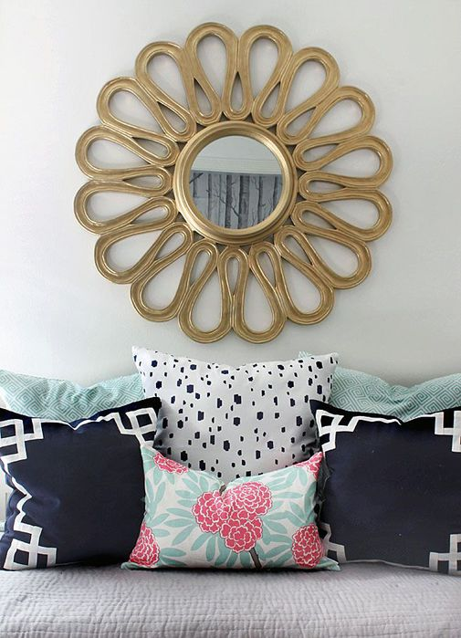5590684_Guestroom_Refresh__the_Hunted_Interiorlove_these_pillows_Caitlyn_Wilson_textiles (505x700, 69Kb)
