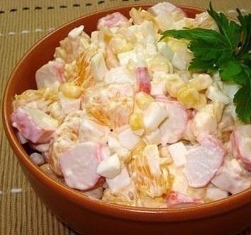 salat-iz-krabovyx-palochek-s-kukuruzoj-i-apelsinom (355x332, 48Kb)