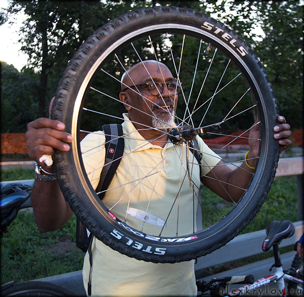 Saths and the Broken Wheel/1436192107_900px_VN_20150705_044106_akry_00758_v (600x585, 434Kb)