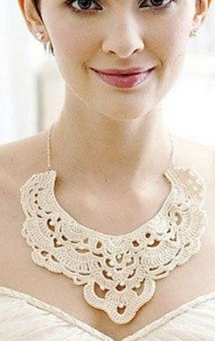 Красивое ожерелье крючком