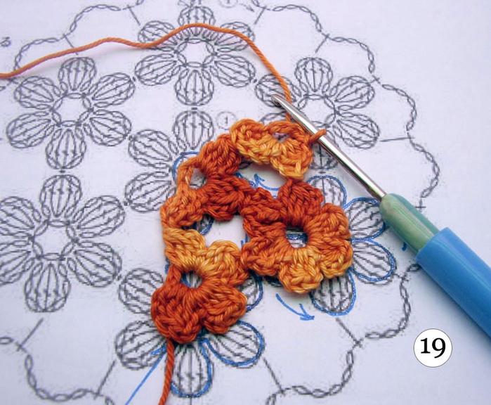 Безотрывное вязание крючком с цветочными мотивами 391
