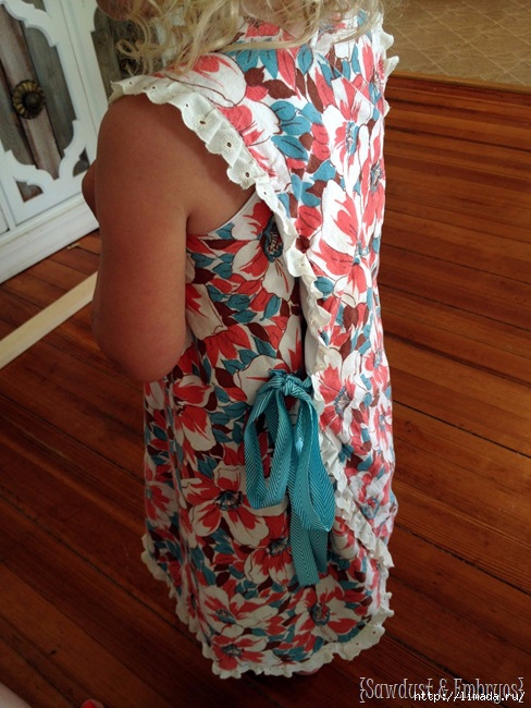 Easy-wrap-around-pinafore-dress-for-little-girls...-free-pattern-Sawdust-and-Embryos (488x650, 234Kb)